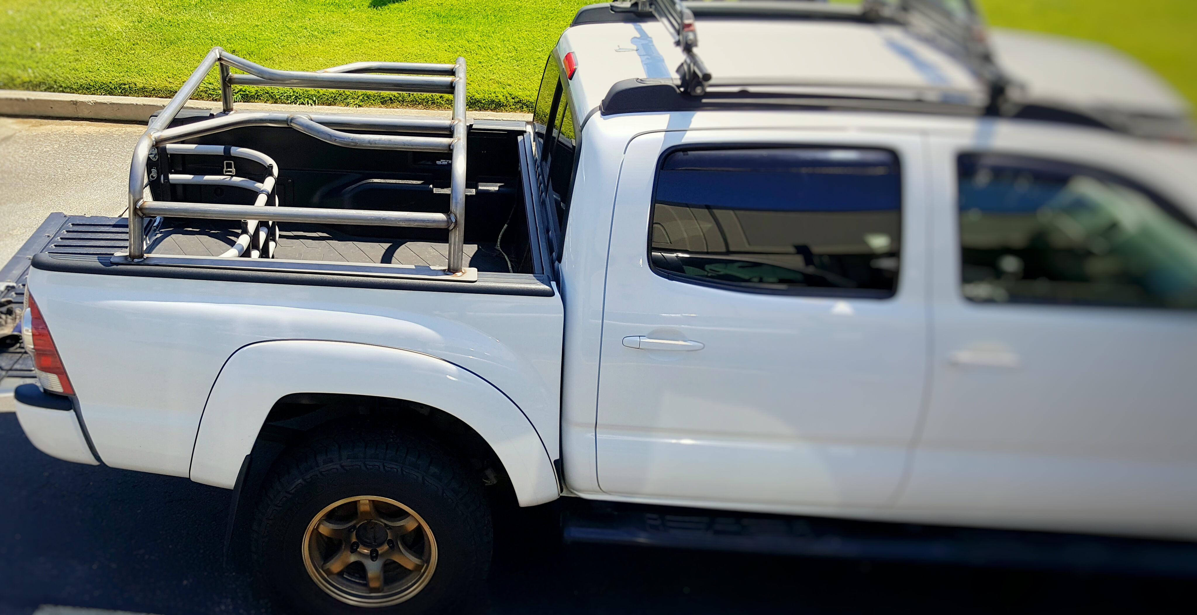 Bed Rack Tacoma >> Low Profile Rtt Bed Rack 05 To 15 Tacoma